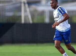 Lateral que já foi titular no Grêmio, Léo Gomes volta a jogar após dois anos