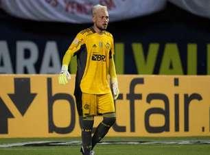 Diego Alves lamenta derrota, mas diz que Flamengo tem que seguir em frente: 'Tem muito chão pela frente'