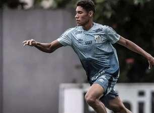"""Sem acordo, Santos """"rebaixa"""" Vinícius Balieiro para o Sub-23"""