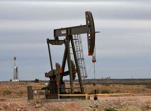 Preços do petróleo fecham em alta com queda de estoques nos EUA