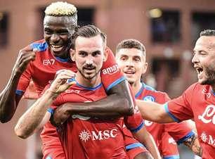 Napoli goleia Sampdoria e segue líder do Campeonato Italiano