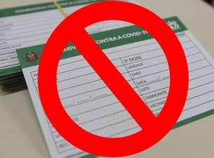 Não faça selfie com carteira de vacinação: entenda o perigo