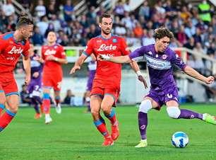 Napoli vence a Fiorentina e segue 100% no Italiano