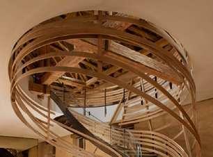 90 Modelos de Escada de Madeira +Dicas de Como Fazer