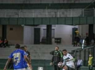 Veja os gols da vitória do Cruzeiro sobre o Coritiba fora de casa