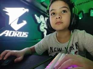 Criança de 10 anos cria equipe de Fortnite e muda vida de família