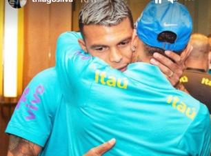 """Thiago Silva apoia Neymar após atacante dizer que Copa de 2022 pode ser a última: """"Sofre uma pressão diferente"""""""