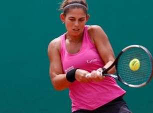 Carol Meligeni estreia com vitória em Lima