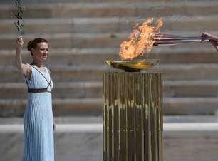 Chama olímpica dos Jogos de Inverno de 2022 é acesa em Atenas