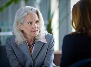 Jovens ou maduras, mulheres veem idade como obstáculo na carreira