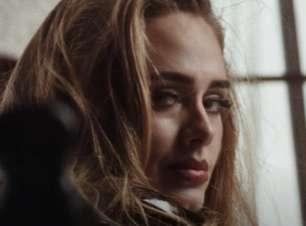 """Sucesso de """"Easy On Me"""" impulsiona álbuns de Adele para o Top 15 da parada britânica"""