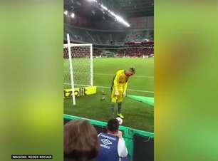 FLAMENGO: Deu ruim! Torcedor Athleticano cai de cabeça ao hostilizar Diego Alves na Arena da Baixada