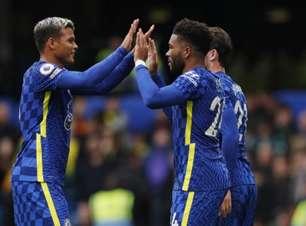 Chelsea goleia o Norwich e segue na liderança da Premier