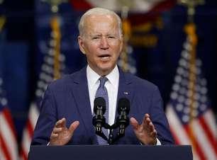 Biden edita decreto suspendendo restrições de viagens e com regras sobre vacinação