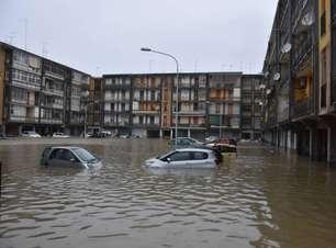 Tempestade provoca alagamentos e mortes no sul da Itália