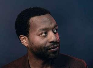 Chiwetel Ejiofor vai engravidar em sci-fi futurista com Emilia Clarke