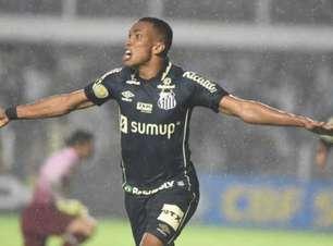 Santos vence o Fluminense na Vila e deixa o Z4 do Brasileiro