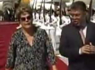 Veja a chegada de Dilma à Venezuela para velório de Chávez