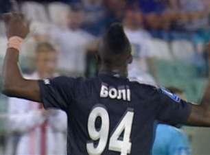 Yannick Boli empata para o Zorya no início do segundo tempo