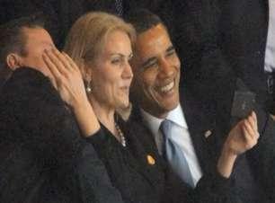 Críticos consideram 'adolescente' atitude de Obama em funeral