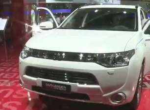 Mitsubishi mostra o primeiro crossover 4x4 híbrido