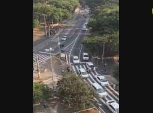 Taxistas fazem novo protesto por segurança após crime em SP