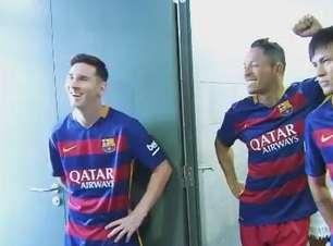 Sem filtro! Time do Barcelona posa para fotos oficiais
