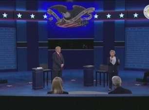 Trump e Hillary levam ataques ao extremo em debate na TV