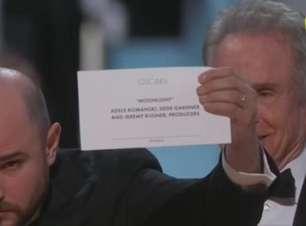 """Moonlight"" rouba a cena após erro histórico no Oscar"