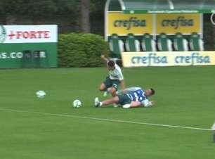 Zagueiro se destaca com gol e desarmes em treino do Palmeiras