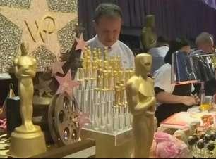 Chef prepara caviar com pó de ouro para banquete do Oscar