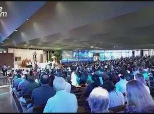 Fiéis se reúnem na Catedral de Cascavel na Missa de Acolhida dos Peregrinos