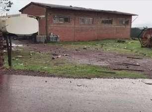 Empresa na região do Aeroporto de Cascavel é destelhada no temporal
