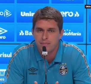 """GRÊMIO: Thiago Gomes comenta despedida com Renato Gaúcho e revela pedido do ídolo gremista: """"Cuida desse grupo que é muito especial"""""""