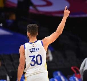 Curry dá show, anota 49 pontos e Warriors bate Sixers