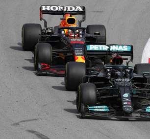 """Mercedes cutuca Red Bull e diz: """"15 homens e um terreno vazio não são suficientes"""""""