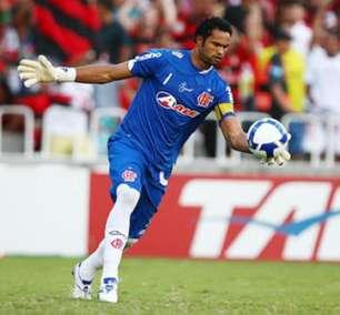 Após anunciar aposentadoria, goleiro Bruno acerta com clube