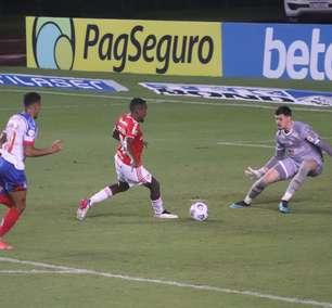 Com um a menos, Internacional vence o Bahia
