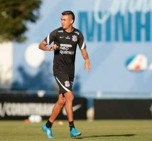 Cantillo fala de sua boa fase no Corinthians e da importância de Sylvinho: 'Deu confiança'