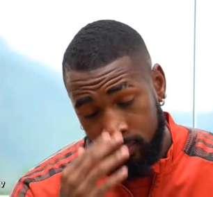 """FLAMENGO: Gerson chora em 'pré-despedida' com jogadores do elenco: """"lembro do que já passei na minha vida"""""""