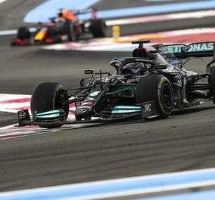 Red Bull contra-ataca e pede que FIA verifique asa dianteira da Mercedes