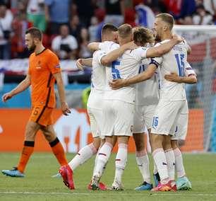 Após queda na Eurocopa, Frank de Boer é demitido da Holanda