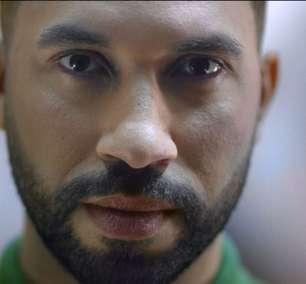"""Amstel estreia """"I Am Gil"""", campanha com Gil do Vigor sobre sua vida"""