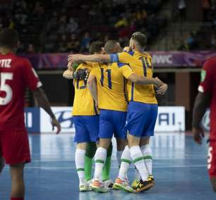 Brasil bate Panamá e fecha fase do Mundial de futsal invicto
