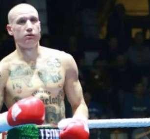 Boxeador gera revolta na Itália com tatuagens neonazistas