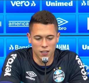 """GRÊMIO: Brenno comenta retorno a titularidade e relação com companheiro de posição: """"Todo jogador quer jogar, mas ficamos muito feliz um pelo outro"""""""