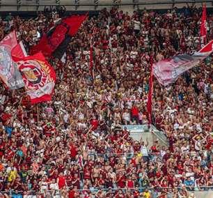 Torcidas organizadas do Flamengo se reúnem com diretoria por logística de viagem para a final da Libertadores