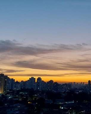 Pôr do sol dá show em São Paulo