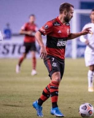 Flamengo mantém 100% na Libertadores após bater a LDU