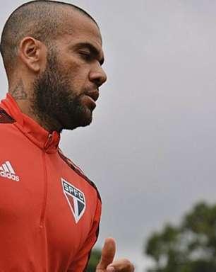 Tite exalta qualidade e liderança de 'veteranos' Thiago Silva e Daniel Alves na seleção brasileira